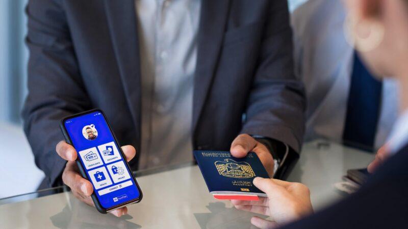 """الاتحاد للطيران توسع استخدام """"جواز السفر الصحي من أياتا"""" على سبع مدن ضمن شبكة وجهاتها .. عقب التجارب الناجحة"""