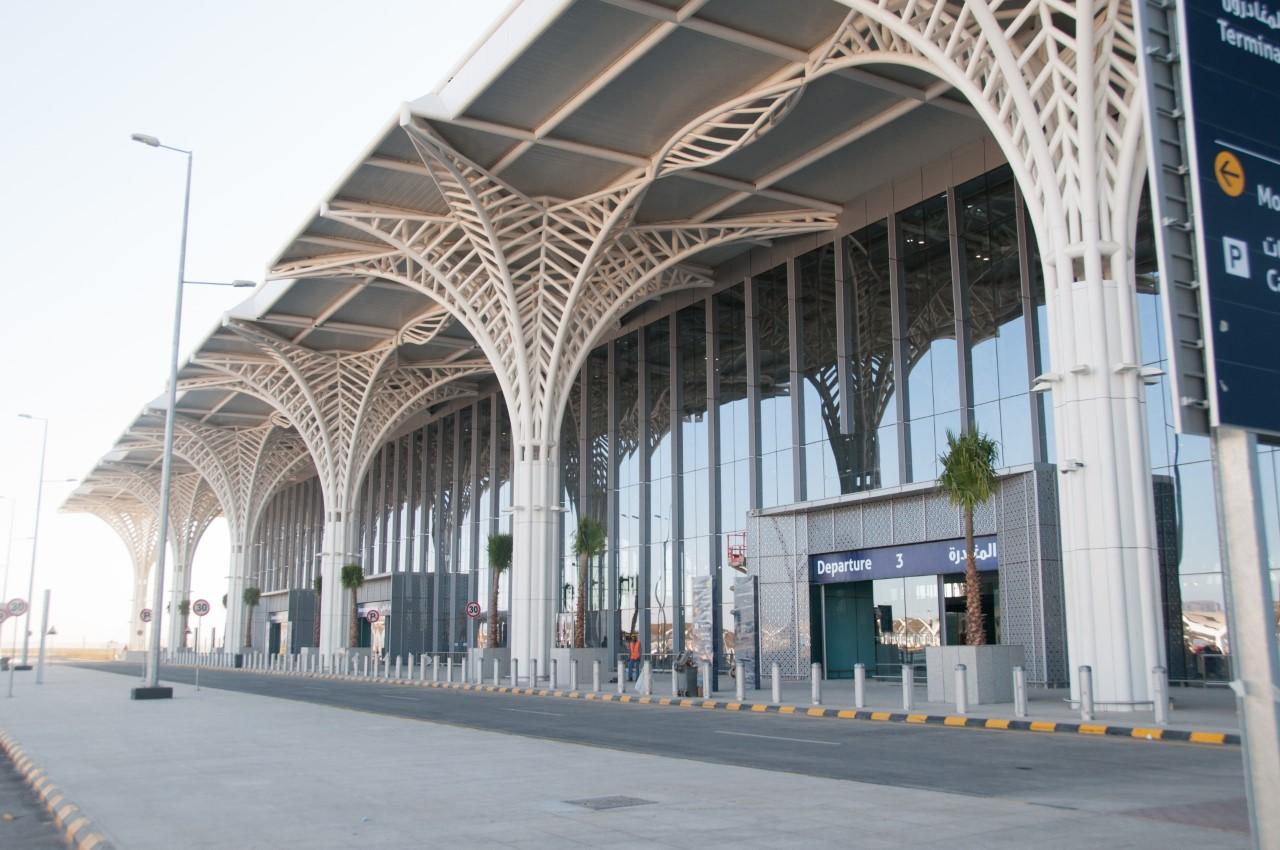 الاستراتيجية الوطنية للنقل والخدمات اللوجستية تسهم في الارتقاء بقطاع النقل الجوي